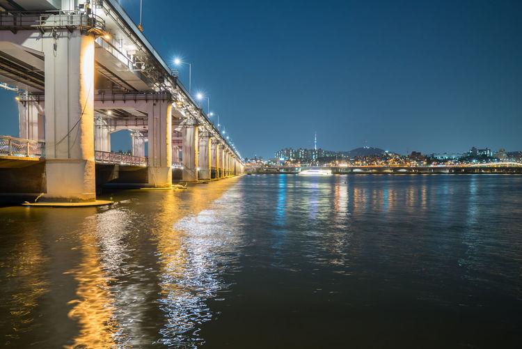 Banpo bridge over han river against sky at night