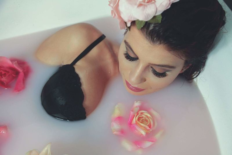 Flowerbath Flower Head Milkbath Boudoir Photography Model Lingerie Model Artistic Expression Longeyelashes Make-up Beauty Glamour Relaxation Spa Treatment Beauty Spa Beauty Treatment Wellbeing Flower Beautiful Woman