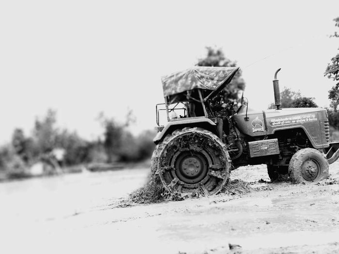 EyeEm Selects Rural Scene Combine Harvester Land Vehicle Tire Agriculture Sky Tractor Agricultural Equipment