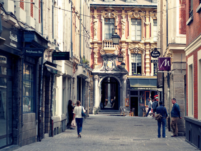 [Street & Moments of Lille/France] Best EyeEm Shot City Life Cityscape France Lille Old Town Architecture Building Exterior Built Structure City Claudetheen Street Photography Streetphotography Vintage