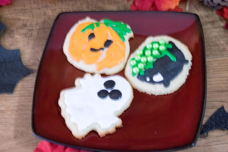 Baked Goods Cookies Halloween Halloween Treats SugarCookies Treats Anthropomorphic Face Close-up Day Dessert Festive Food Food And Drink Freshness Gelatin Dessert Indoors  Indulgence No People Plate Ready-to-eat Still Life Sugar Cookies Sweet Food Table Temptation