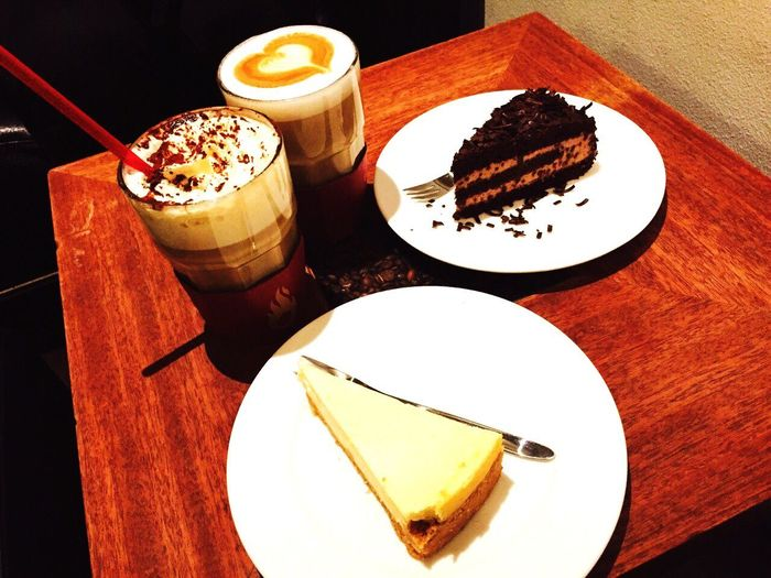 Taken by F. @Joanna. Happy hearts day. Cakes Coffee Time Baresso Coffe