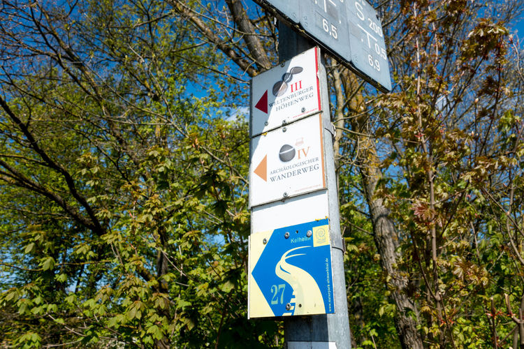 Habour of Kehlheim at river Donau Altmühltal Archäologischer Wanderweg Bavria Bayern Blue Sky Day Donau Hicking Himmel Und Wolken Kehlheim Nature Outdoors Reise Sky Spring Travel Tree Wandern Wegweiser  Weltenburger Höhenweg