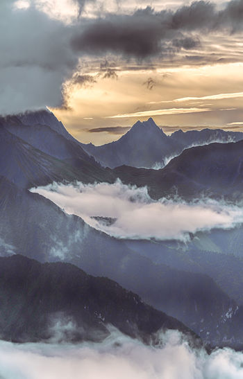 The clouds sea and sunrise in West Sichuan, China. Cloud - Sky Mountain Beauty In Nature Sky Scenics - Nature Tranquil Scene Tranquility Sunset Mountain Range No People Environment Nature Idyllic Landscape Winter Non-urban Scene Cold Temperature Majestic Outdoors Snowcapped Mountain Mountain Peak Hazy