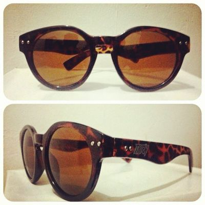 GIRLS THIS IS FOR YOU! Order now .. THE CHICKS (available on leopard / black / brown ) 140K , disc 15% for all order online. 08990125182 / 237EDE37 Girls Chicks Sunglasses Eyewear leopard throne39 indonesia