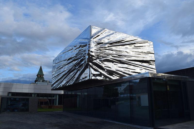Geschenk Kunstmuseum Lillehammer Museum No People Outdoors Present Sky