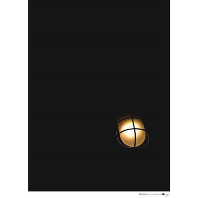 【 一盞燈 】 黑暗籠罩 唯有光能導引方向 一盞燈 一顆心 一位神 一切 HuaweiMate7 Light 365Snap Direction