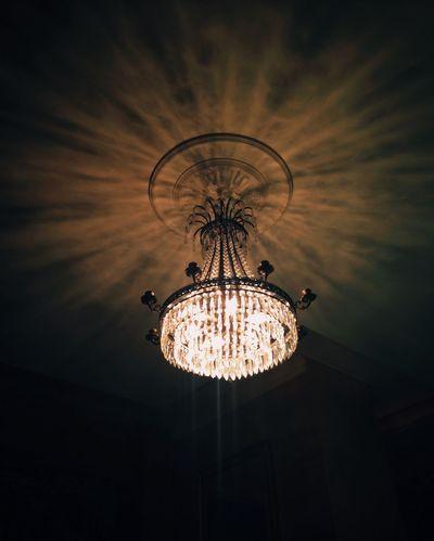 A Light Is Everywhere Shadows Vscocam Mobilephotography.de