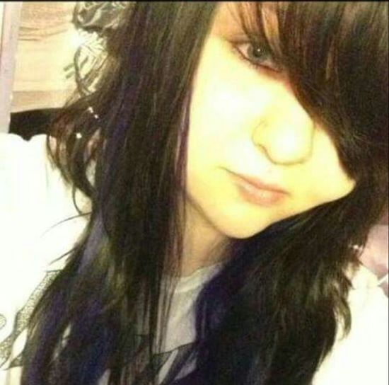 TBT to an intense scene phase 😂🙈 Selfie ✌ Popular Photos That's Me Throwback Throwbackthursday  Scene Scenekid Scene Girl Coloredhair OMG!!!!