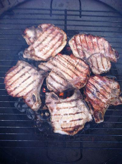 Grilled some pork chops last night ICanCookMyAssOff Nomnombomb TheExpensiveWinos Yummy♡