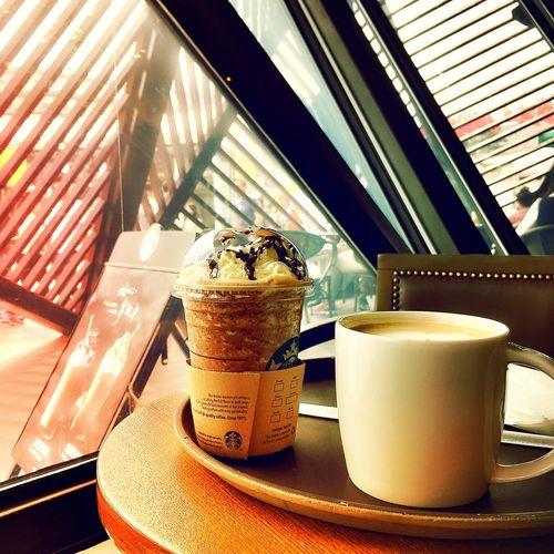 Starbucks IPhoneography Traveling EyeEm China First Eyeem Photo Light And Shadow Enjoying Life