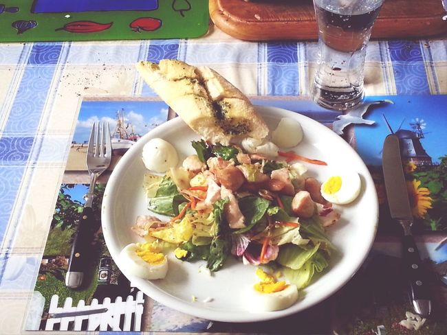 Health&fitness Eat Good Eat Fitness My fitness salad for many proteins and low carb...Salad, Balsamico, Vinegar, a bit pepper and sald, 1 egg and 1 cutlet of turkey hen...be strong and don't eat a Baguette also without Baguette it's very good, too! :-)