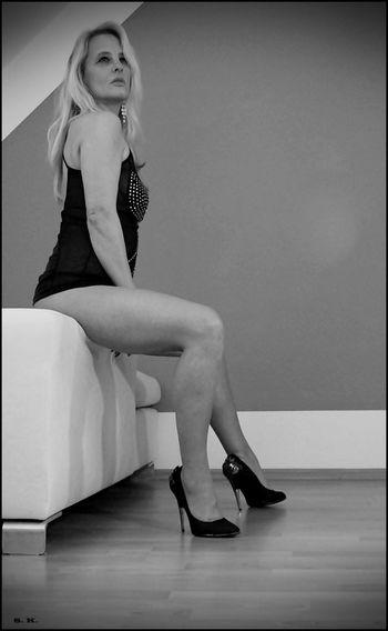 Person Goodnight Good Morning Good Morning! Sternfee Nina Sexylegs Legs Women Who Inspire You Sexygirl Blonde Girl High Heels HighHeels Blackandwhite Blonde Long Hair