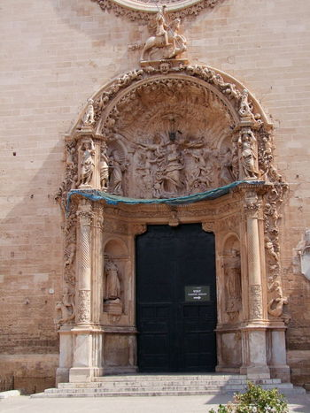 Ornate Doorway of Basilica Sant de Francese, Placa Sant Francese Basilica Church Composition Ornate Stonework Palma Palma De Mallorca Place Of Worship Roman Catholic SPAIN Architecture Bas Relief Building Exterior Built Structure Capital City Full Frame History No People Ornate Door Outdoor Photography Place Of Worship Religion Spirituality Sunlight And Shadow