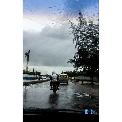 In the rain... Okada OzumbaMbadiwe VictoriaIsland Lagos iamEdAce