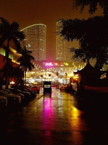雨夜。 Night