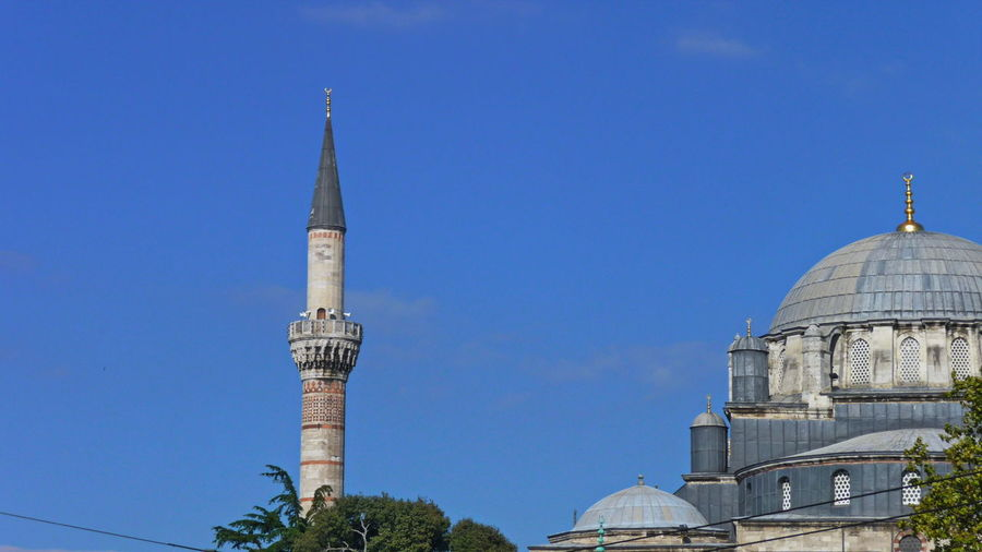 Historical Mosque Sultan-Ahmed-Moschee Turkey Architecture Belief Blaue Moschee Blue Building Building Exterior Built Structure Clear Sky Dome Nature No People Outdoors Place Of Worship Religion Sky Spire  Spirituality Tower Travel Travel Destinations Tree