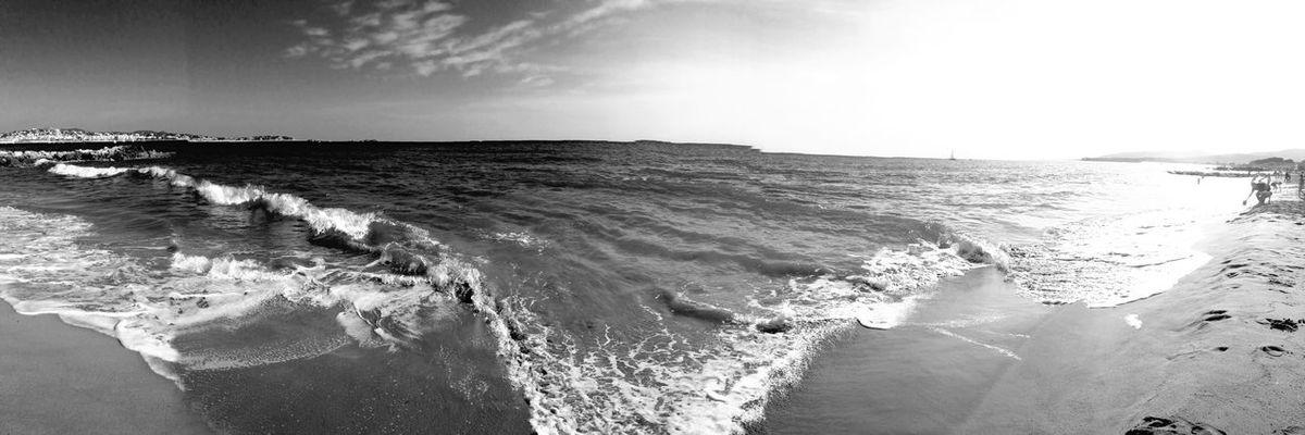 Panorama IPhoneography Sea Seascape Landscape Photography Hello World Eye4photography  Blackandwhite Capture The Moment Amazing View EyeEm Best Shots Taking Photos Beautiful Enjoying The Sun Travel Photography Autumn Nature Enjoying The View Waves