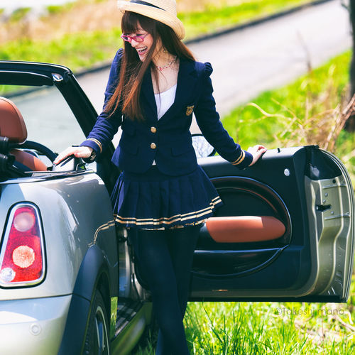 Car Casual Clothing Convertible Cooper Girl Happiness Japan Long Hair Mini Old-fashioned Only Women Outdoors People Smile Woman 平尾台