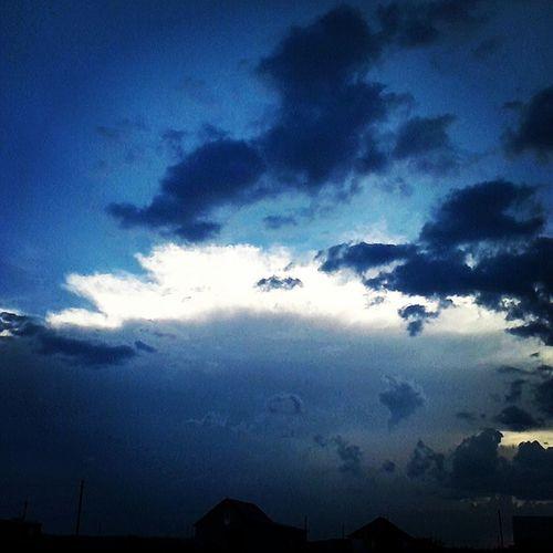 небеса облака лето тучи криши_домов халупы :) вечер Sky Summer Clouds