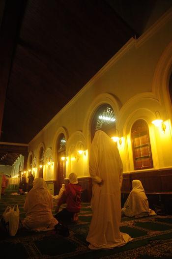 Shalat (Pray)
