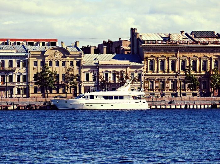 The Best Parking Neva River Embankment Yacht White Dream Home Is Where The Art Is Home Sweet Home Rich The Boat Summer Views Sankt-peterburg Summer2016 Sunny Day 🌞 Russia