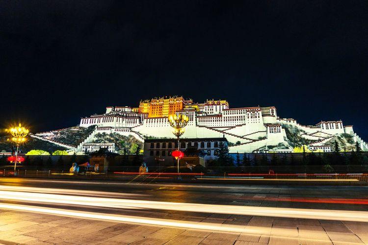 布达拉宫 Potala 西藏 Tibet China Lhasa Potala Palace Astronomy Illuminated Neon Sky Architecture