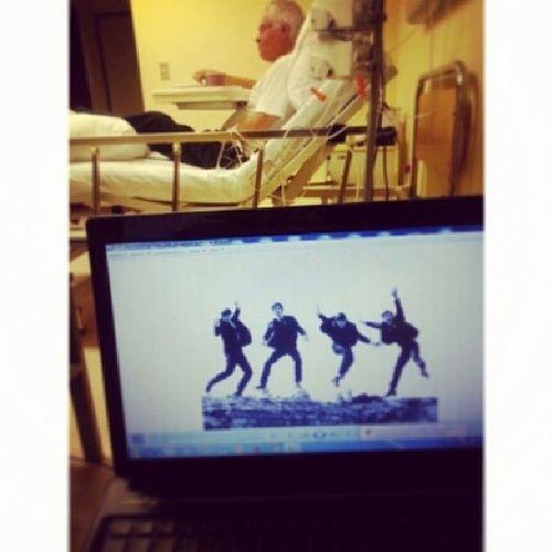 Mi Papito ni internado deja sus Beatles, digo nuestros Beatles... Beatles