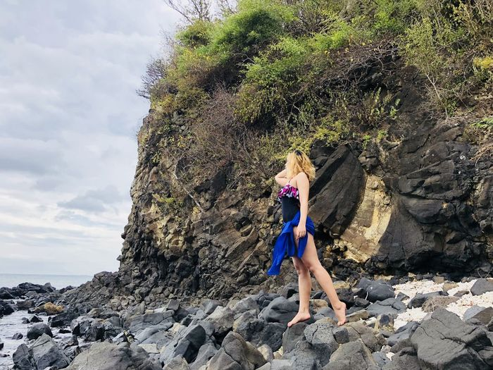 finding someone Modelling Standout Bynature Beach Beachphotography Rock - Object Full Length Day One Person Outdoors Leisure Activity Climbing