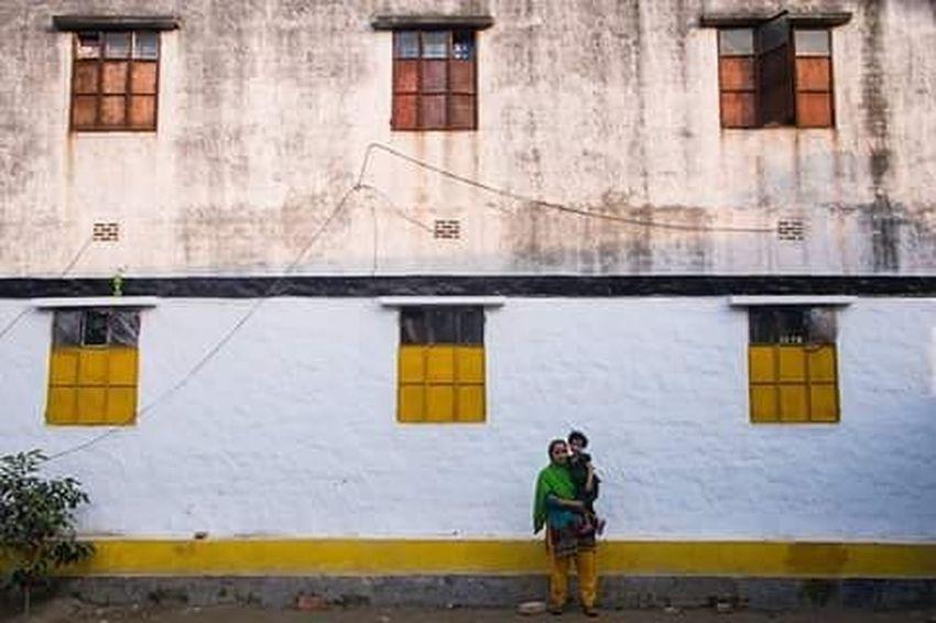 Peopleofbangladesh Women Womensday People Color Colorful Photographyislifee Photoftheday Photography Photographer Documentary Photography Dhakagram Dhakatales Lifearoundyou Everydayeverywhere Adayatearth Intimacy Instagood Portrait Bonding Light PortraitPhotography Fujifilm