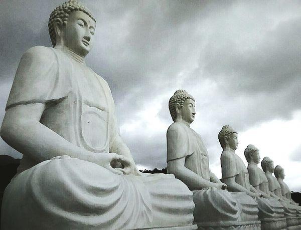 Budismo Budism Meditation Meditation Zen Meditacao Zen Photography Whitesky Clouds Nublado White Brazil Zenplaces Yoga Yogalife