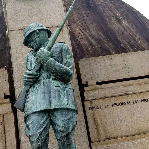 Hendrix Outdoors Statue Urca Beach Pão De Açucar Soldier HERO