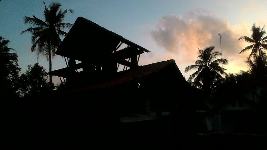At Bumiharjo Kebumen Old House Traditional House Roof Tile Manufacturer Silhouette Mobile Photography