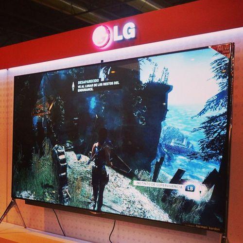 """Super LG de 98"""" con Tomb Raider Definitive Edition... Mola Soloenmadridgamesweek Mgw2014 LG  enriqueestotemola tombraider kochmedia squareenix videogames xboxone consoles Microsoft rx100mkii"""