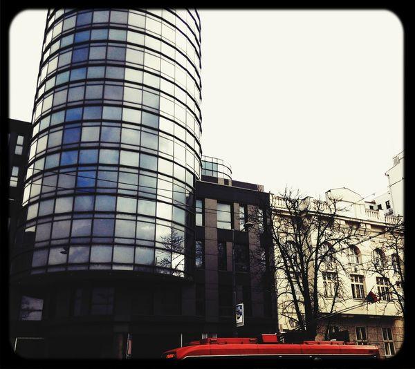 Modern Architecture meets Classic Architecture