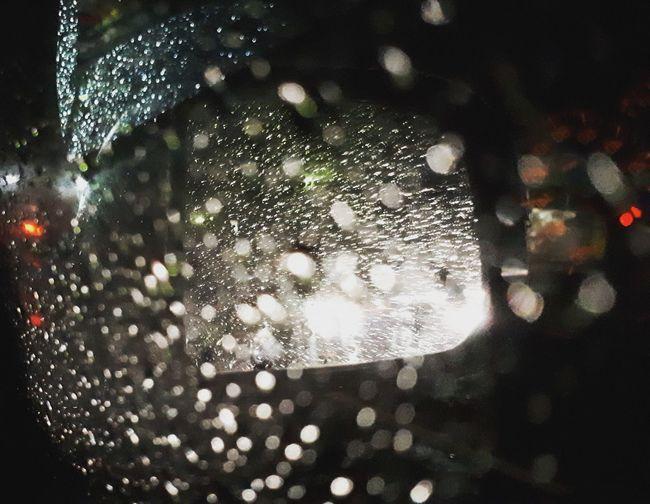 ujan deres. spion pun ngga keliatan Streetphotography Nightphotography Water Tree Backgrounds Defocused Drop Close-up Monsoon Torrential Rain Wet Dew Rainy Season RainDrop Droplet Rain Water Drop Rainfall Bauble Refraction Cyclone Hurricane - Storm Carbonated