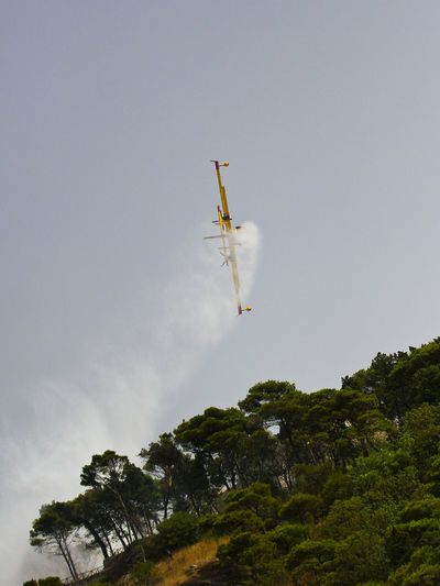Aeronautica Canadair CL-415 Protezione Civile RISK Viking Air 415 Airshow Canadair Fire Fire Fighter Fire Fighters Flying Low Angle View Mid-air Motion Nature Outdoors Speed Stunts Vapor Trail Water