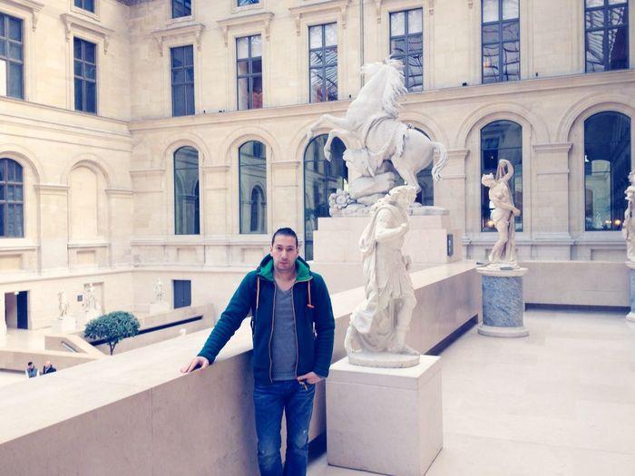 Musée Du Louvre In Paris