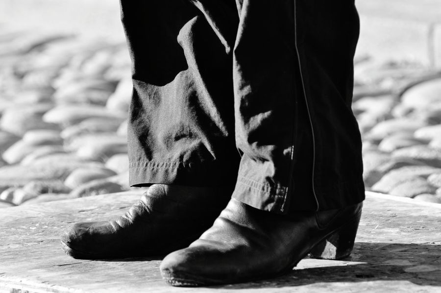EyeEm Selects The Graphic City Tango Life Tango Dancers Tango Streetdancing Feet Shoes Blackandwhite