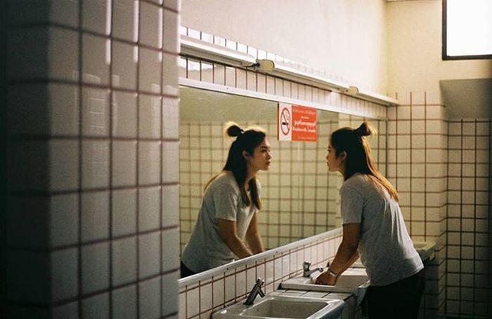 ต้องสำคัญแค่ไหน ถึงมีความหมายขึ้นมาบ้าง Thaigirl Film135mm Film135 Filmphoto Filmphotography Analogphotography Thailand Film Ishootfilm Iusefilm Filmisnotdead Filmcommunity Brlieveinfilm Om2n Olympusom2n Olympus Filmcamera Kodak Kodak_photo Kodakfilm Kodak200 Kodakcolorplus200 Colorplus200 Shoot Film Shootfilmnotmegapixels