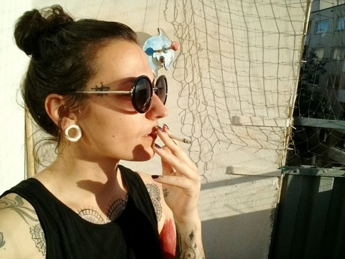 Balkonien. Moabit Berlin Girl Sunglasses Up In Smoke  Inkedgirls Sunny Day