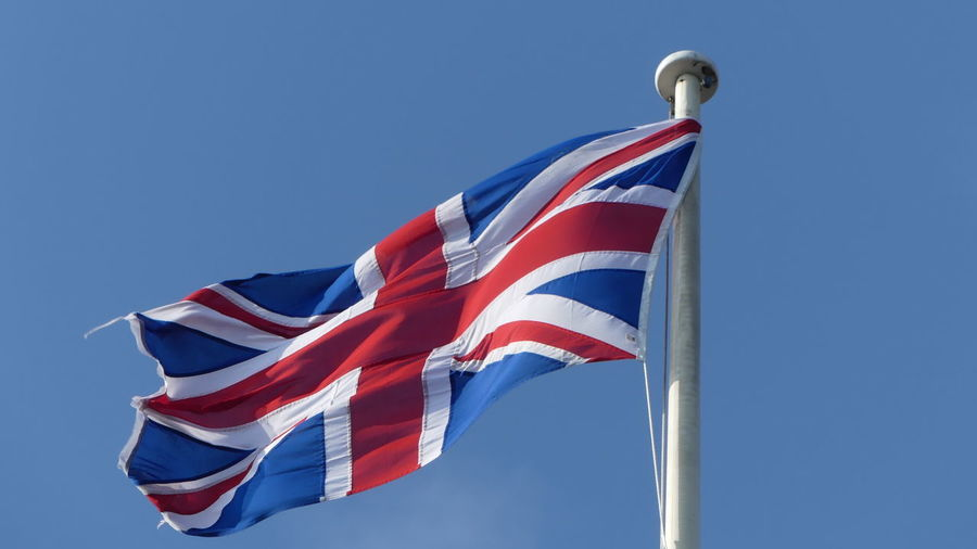 UK Uk Dover Castle UK Flag England Flaggen Summer Nofilter England Unbearbeitet Flag Patriotism Blue Striped Low Angle View National Icon Pride Wind No People Sky Day Clear Sky Red Outdoors Government Politics And Government