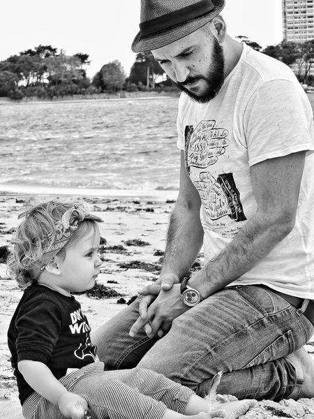 Tal para cual... Pekeña Fierecilla Blackandwhite Babygirl Vigo, Galicia (España) #vigo #galicia #pontevedra #spain #españa What I Value Beach Daddy's Girl Love My Two Loves  HOY Y SIEMPRE