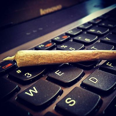 Weed Photography Ganja For Life Noticed Alphabets On Keypad LOL Awesome Joint Perfect High Marijuana Peace No Worries  Classic Look Retro Mornings