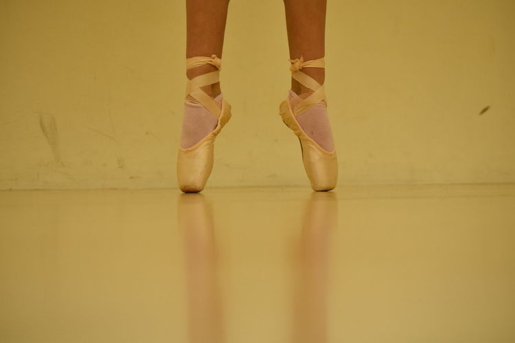 Ballet Close-up Dance Lifestyles Low Section Only Women Pointe Shoes Standing