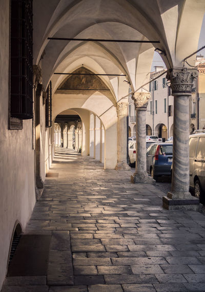Detail of the arcades of the medieval village of Montagnana. Alleyway Arcade Arch Architecture Baroque Building City Classical Colonnade Column Detail Europe Gallery Gothic Historic Italy Marble Medieval Monochrome Montagnana Monument Old Paint Palace Passage Porch Pórtico Renaissance Tunnel