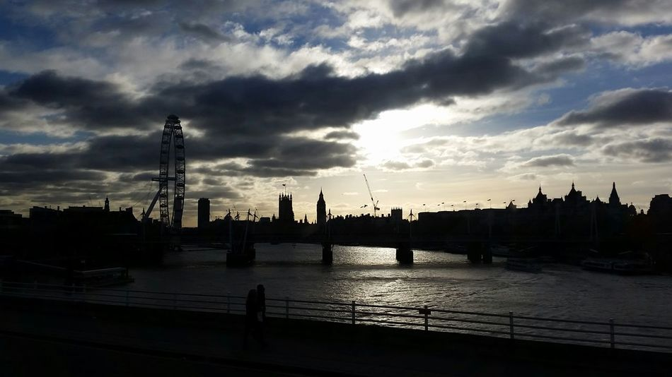 London London Eye Bridge Clouds And Sky Shillouette Themse Taking Photos Loveit England🇬🇧 Wonderful Trip