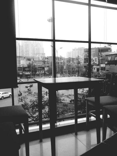 waiting !Taking Photos Urban Station Coffe