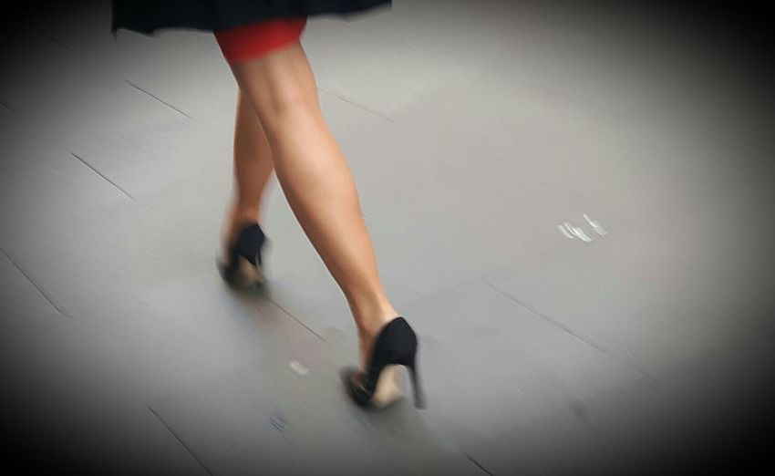 Passi rubati Streetphotography People Photography Capture The Moment Legs & Heels