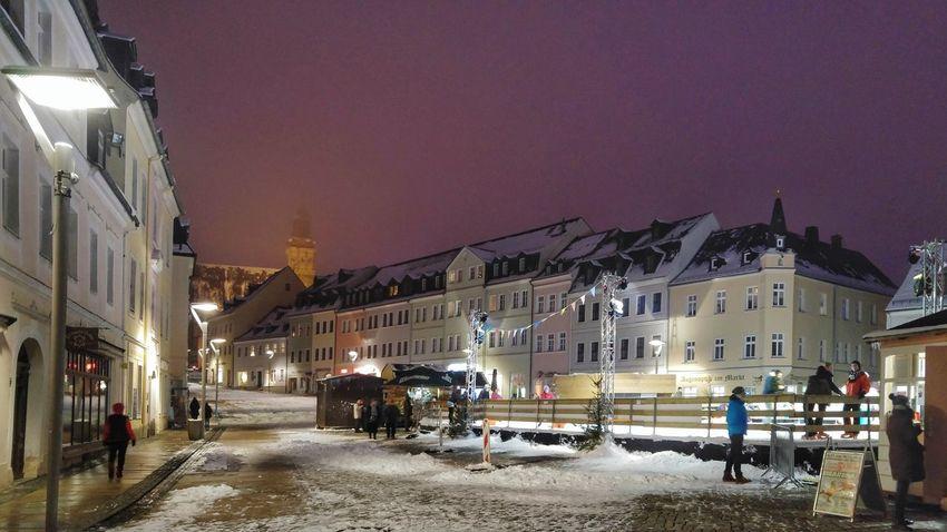 Lichtstimmung über der Eisbahn Lg G4 Photography Sachsen Erzgebirge Schneeberg Nachtaufname Himmel Markt Light Beam City Gate